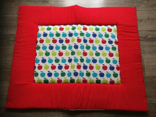 boxkleed rood appeltjes handgemaakt katoenen stof speelkleed