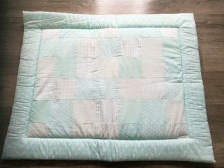 boxkleed-mint-groen-rand handgemaakt katoenen stof speelkleed