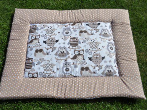 zelfgemaakt boxkleed van katoen met leuke uiltjes stof bruin, grijs, wit