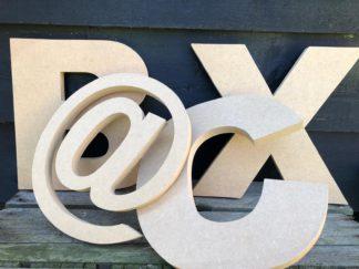Houten letters Arial, kant-en-klaar, gezaagd