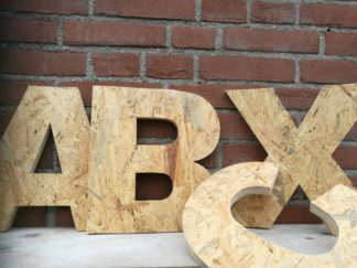 Houten letters plaatmateriaal, OSB, kant-en-klaar, gezaagd