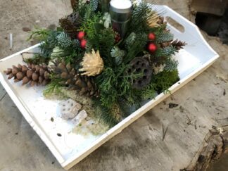 Kerst workshop, Kerststuk zelf maken, DIY, Doe-het-zelf, dienblad met waxinelichtjes, kerstgroen, kerstpakket