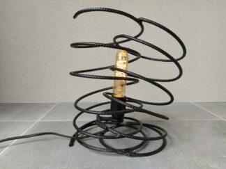 Industriële tafellamp 'Dobro' mat zwart betonstaal