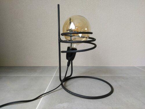 Industriële tafellamp 'Sorajoso' mat zwart betonstaal
