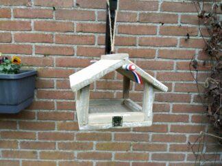 voederhuisje van hout hangend huisje