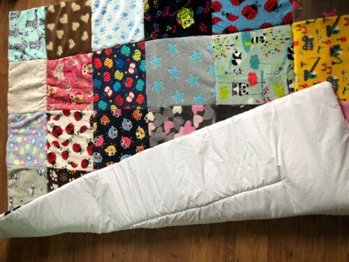 zelfgemaakt quilt, sprei fleece deken of speelkleed