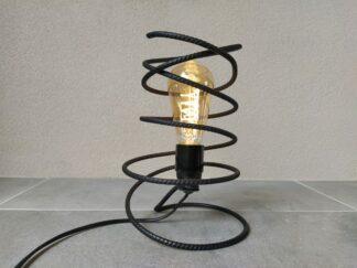 Industriële tafellamp 'Leve' stoer betonstaal mat zwart