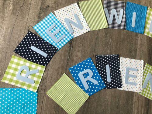 Handgemaakte slingers, vlaggenlijn met naam, unieke naamvlag, naamslinger, katoenen vlaggetjes, stoffen slinger met naam, geboorteslinger, zelf samenstellen, wit, groen, blauw, grijs