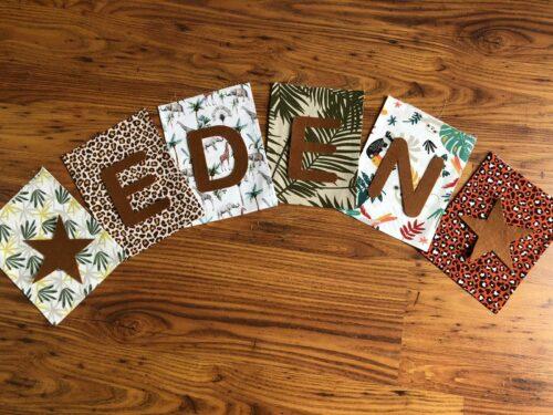 Handgemaakte slingers, vlaggenlijn met naam, unieke naamvlag, naamslinger, katoenen vlaggetjes, stoffen slinger met naam, okergeel, grijs, ster, naamslinger baby, stof, geboorteslinger, zelf samenstellen, jungle, tijger, bruin, groen, dieren, palm