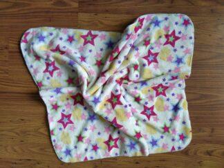 Babydekentje fleece multicolor sterren, warm, handgemaakt en uniek