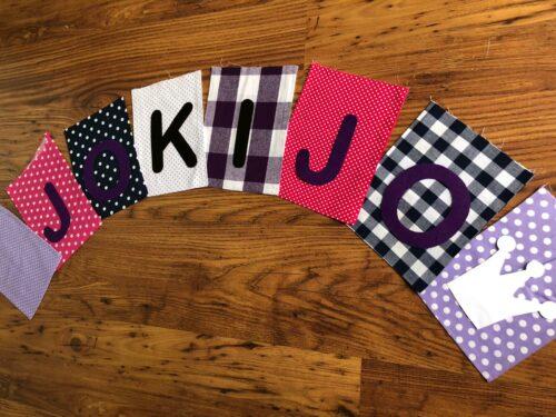 Handgemaakte slingers, vlaggenlijn met naam, unieke naamvlag, naamslinger, katoenen vlaggetjes, stoffen slinger met naam, geboorteslinger, zelf samenstellen, roze, paars, wit, lila, kroon