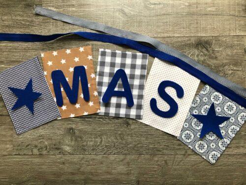Handgemaakte slingers, unieke naamvlag, vlaggenlijn met naam, naamslinger, katoenen vlaggetjes, stoffen slinger met naam, bruin, blauw, grijs, ster, ruit