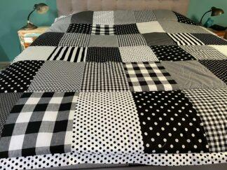 Sprei, quilt, deken, blokken, grijs, wit, zwart